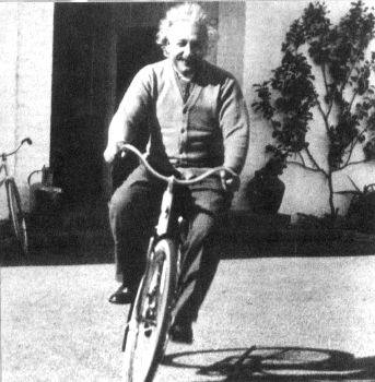 Einstein_on_bicycle-web