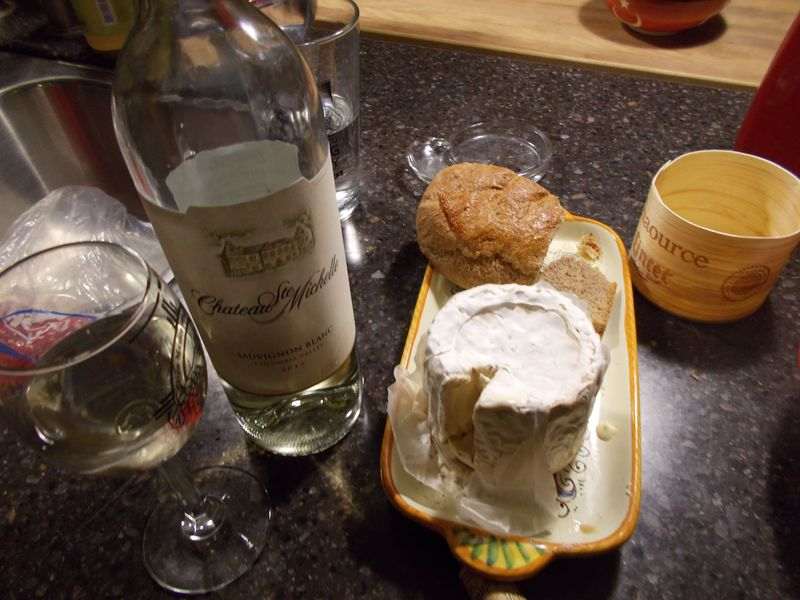 Sauvignon Blanc, French cheese, my bread